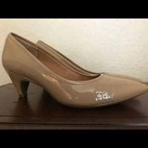 Sofft leather nude pumps Sz 6:5